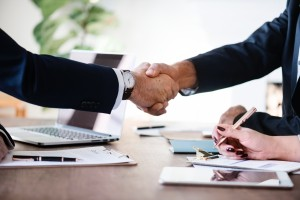 agreement-business-businessmen-886465-300x200